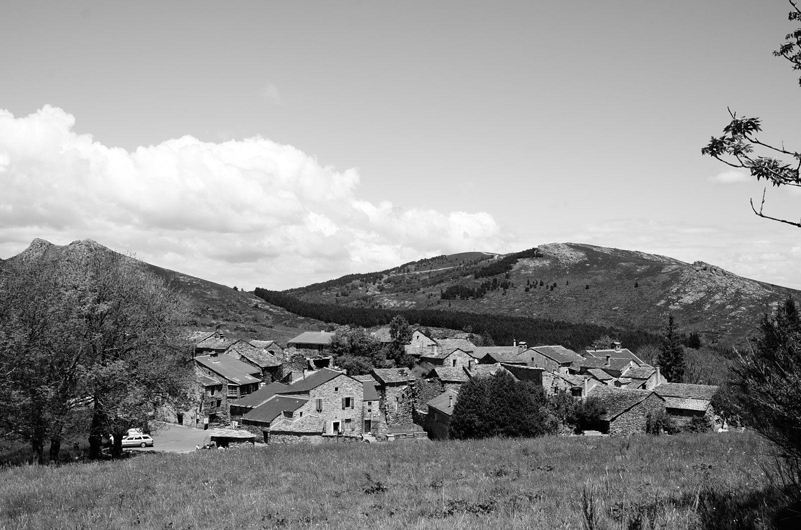 Le village de Douch, lieu de départ de la randonnée
