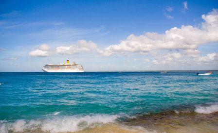 Costa Atlantica depuis l'île de Catalina