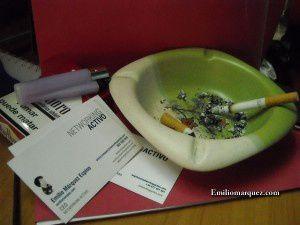 Para un networker - fumador, algo casi tan importante como el mechero son sus tarjetas de visita