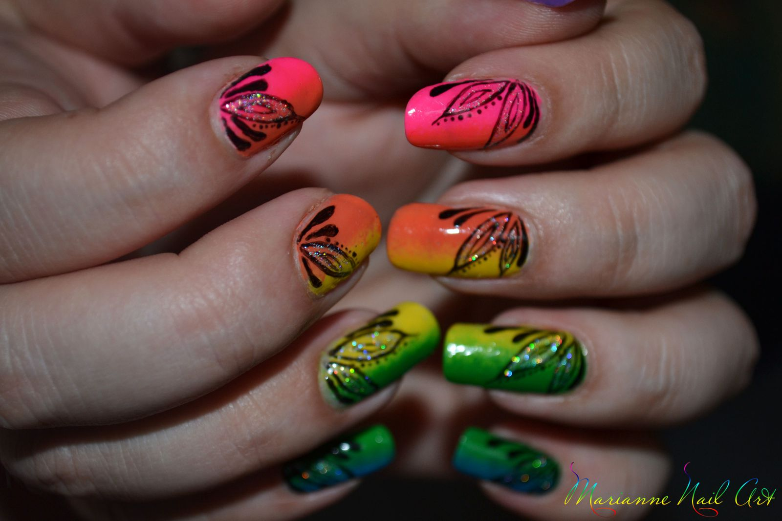 Rainbow nails and flowers