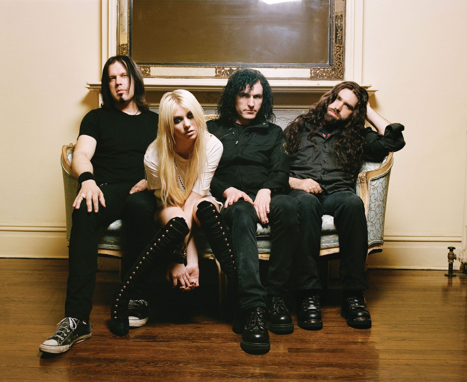 Sortie D'Album: Who You Selling For The Pretty Reckless