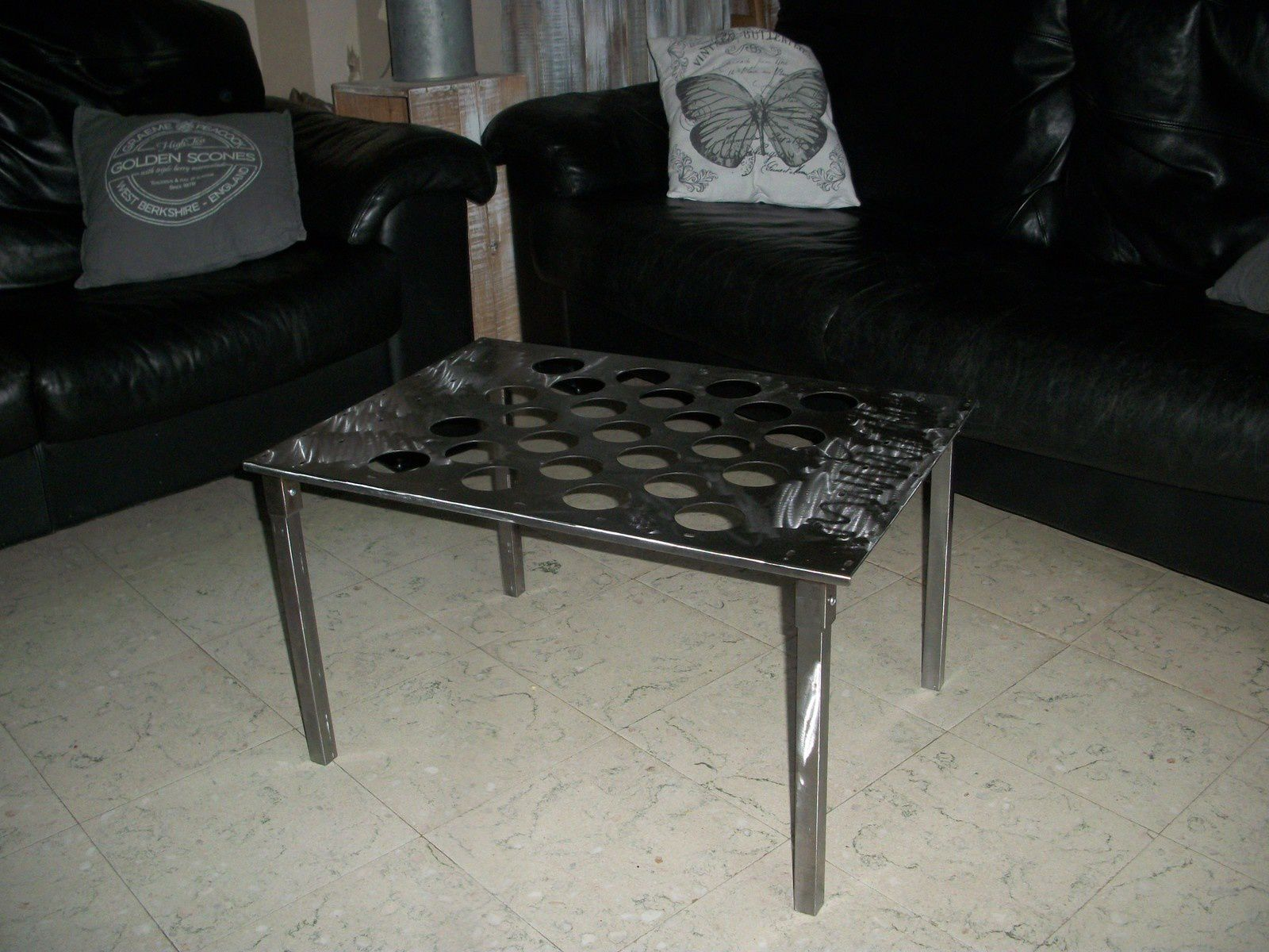 Table de salon design en acier plus disponible lux design belgique - Table design belgique ...