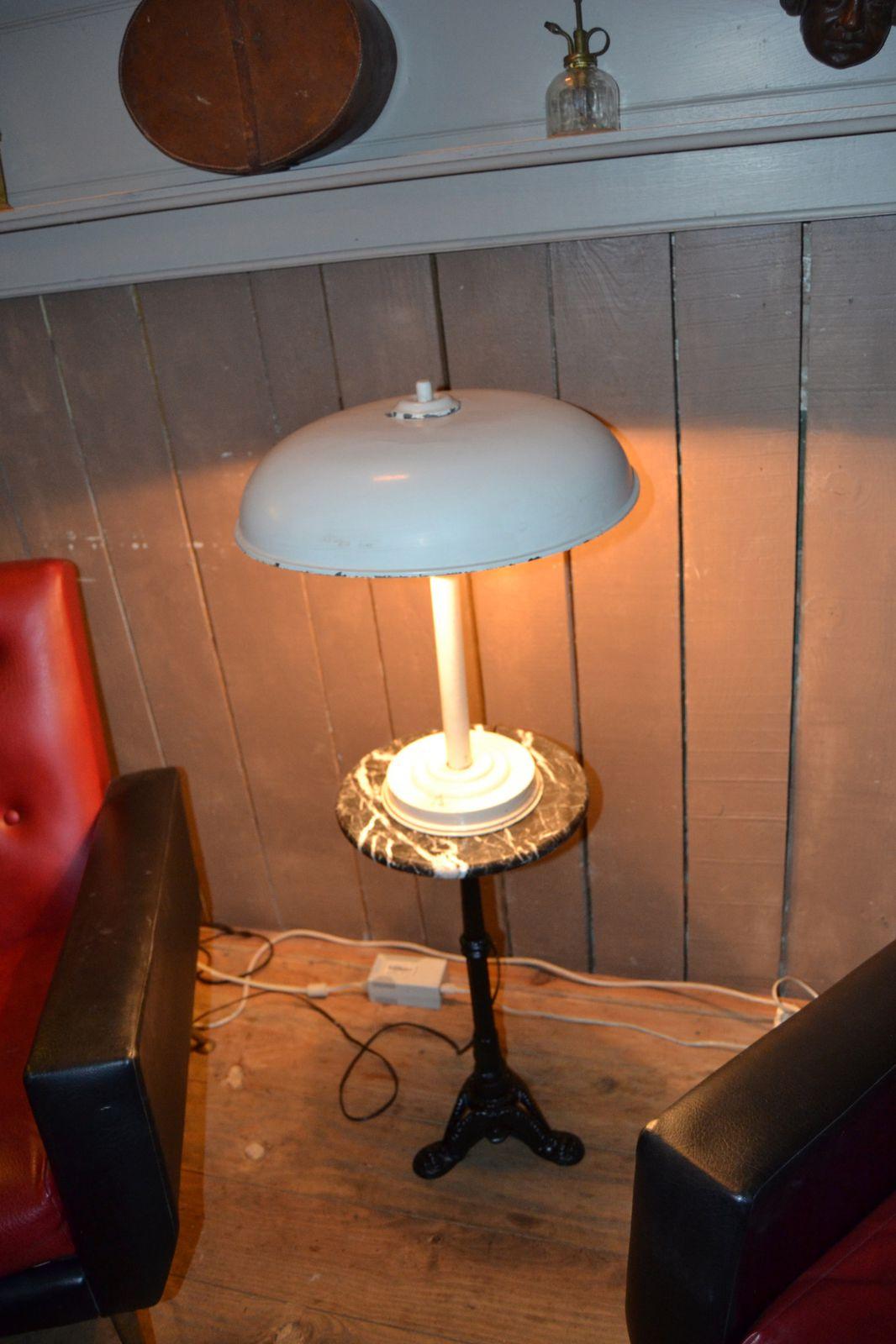 lampe champignon ann es 60 70 chat fouille. Black Bedroom Furniture Sets. Home Design Ideas