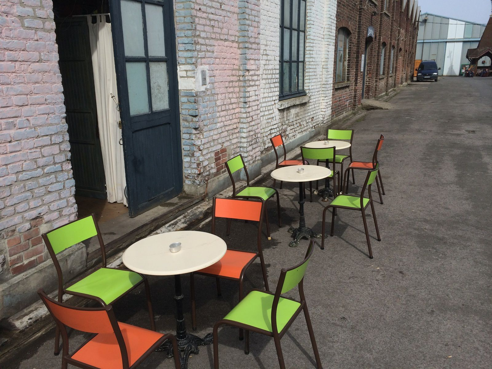 3 Tables Bistrot Chat Fouille