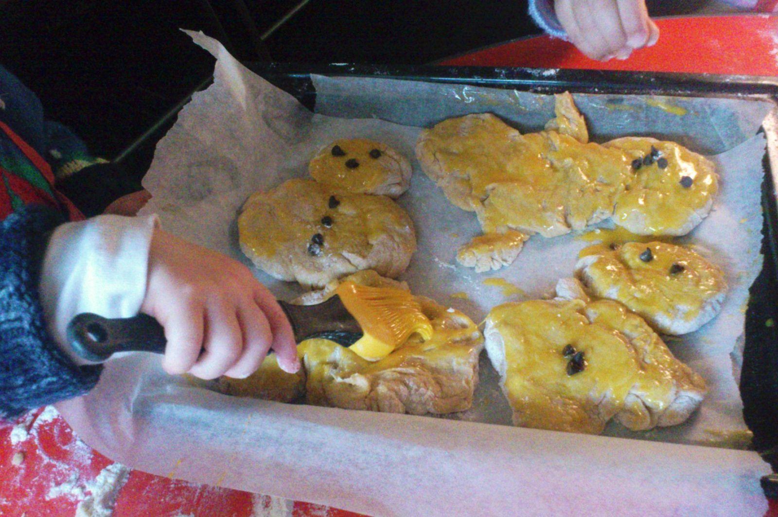 L'atelier Manalas (bonhommes alsaciens en pâte à brioche)
