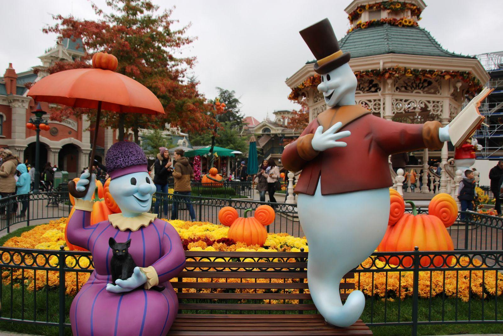 La saison Halloween à Disneyland Paris (2015)