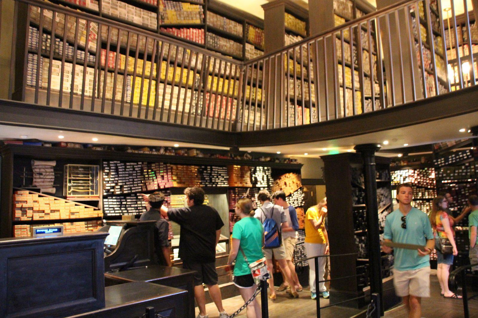 Ollivanders : The Wizarding World of Harry Potter