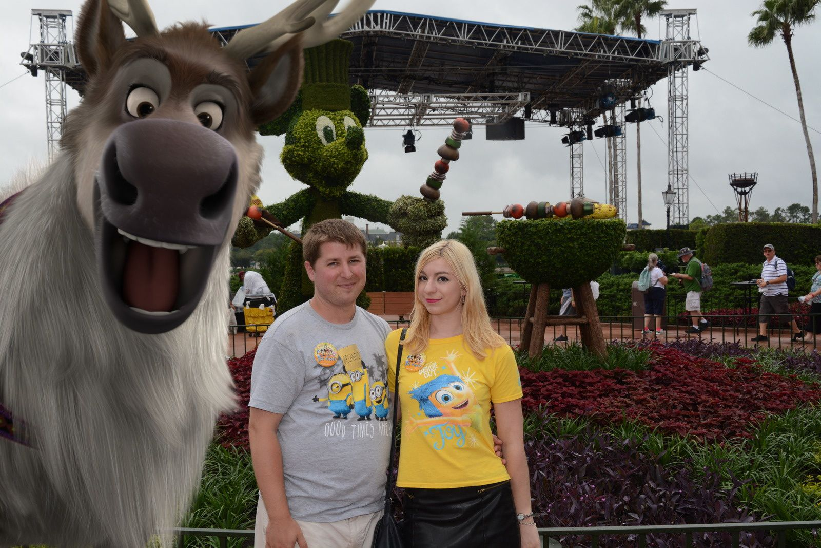 Sven à Epcot, Stitch et Zip à Hollywood Studios