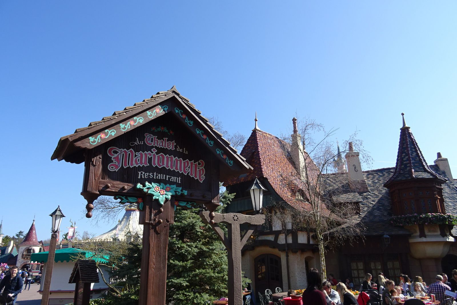 Les restaurants de Fantasyland à Disneyland Paris