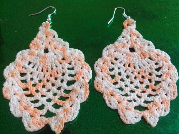 Boucles d'oreilles ananas au crochet paillettée orange multi ton
