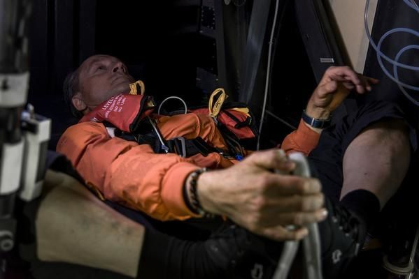 André Borschberg seul dans le cockpit, quelques minutes avant l'atterrissage (photo : Solar Impulse).