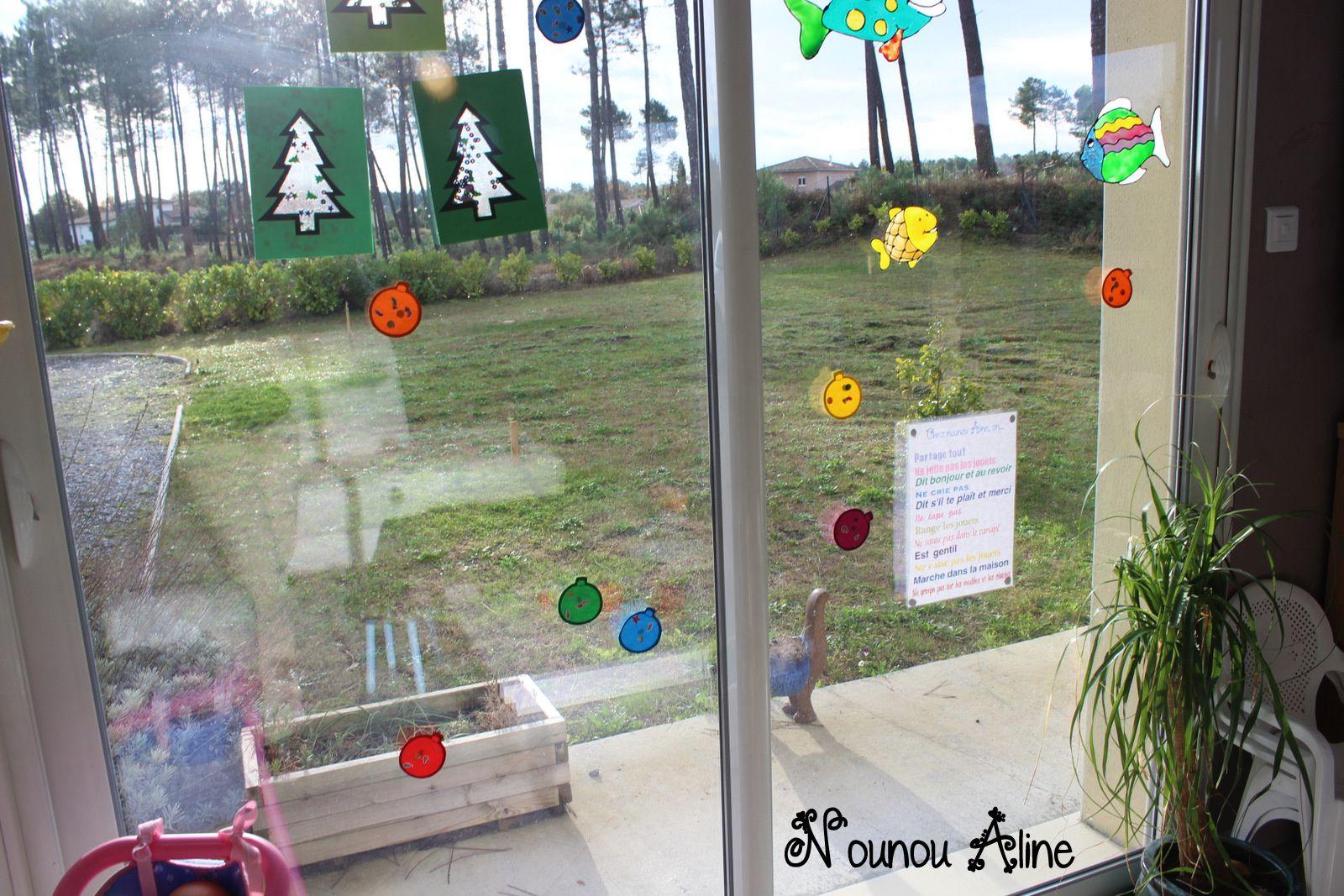 #46613F Decoration De Vitre : Des Boules De Noel Nounou Aline 5491 décorations de noel pour vitres 1600x1067 px @ aertt.com
