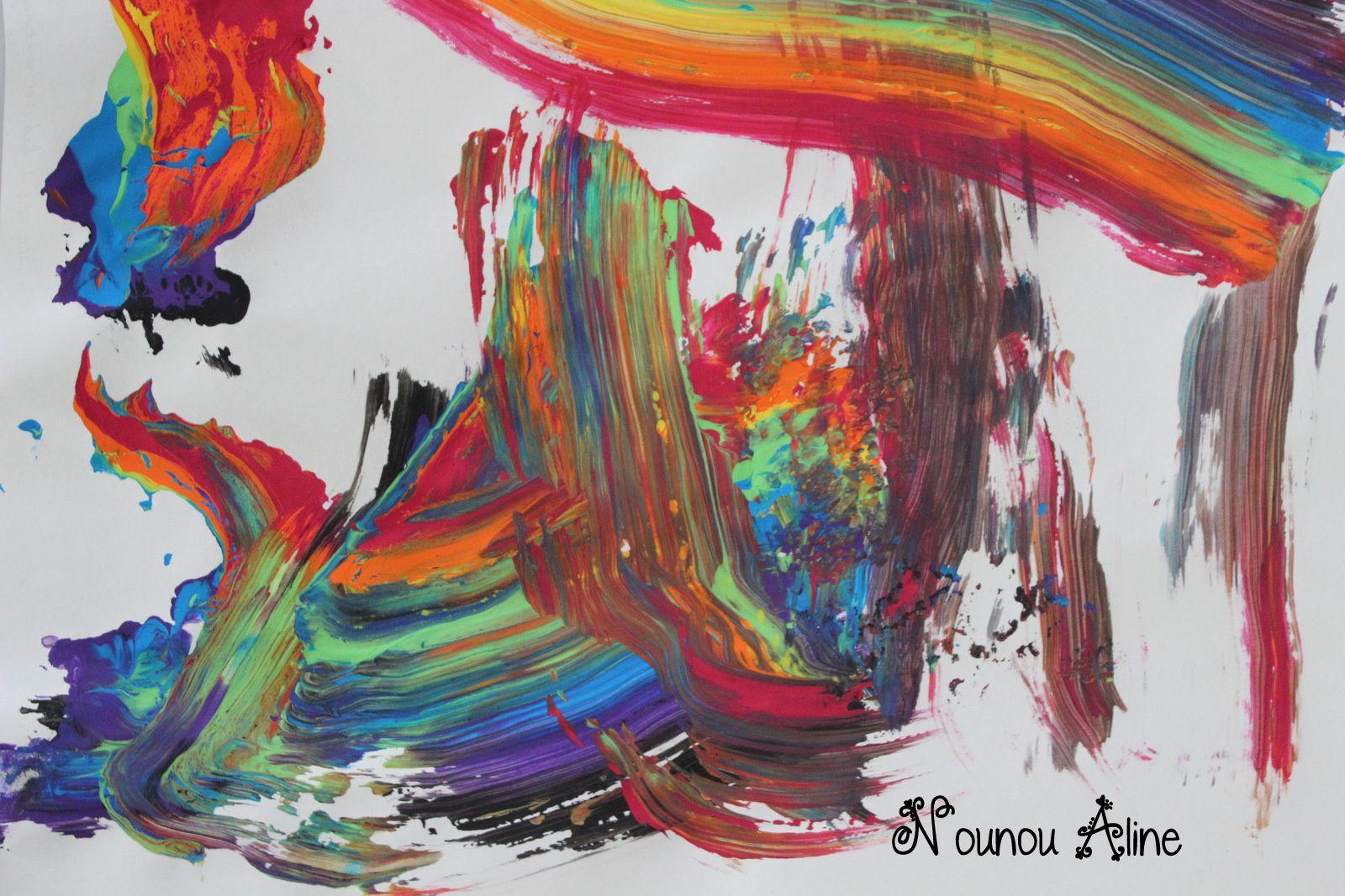 Peinture arc en ciel à l'éponge