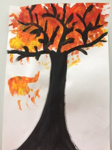 Un arbre d'automne en peinture