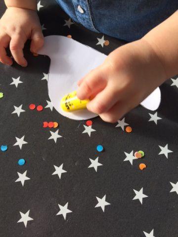 chapeau de carnaval en confettis