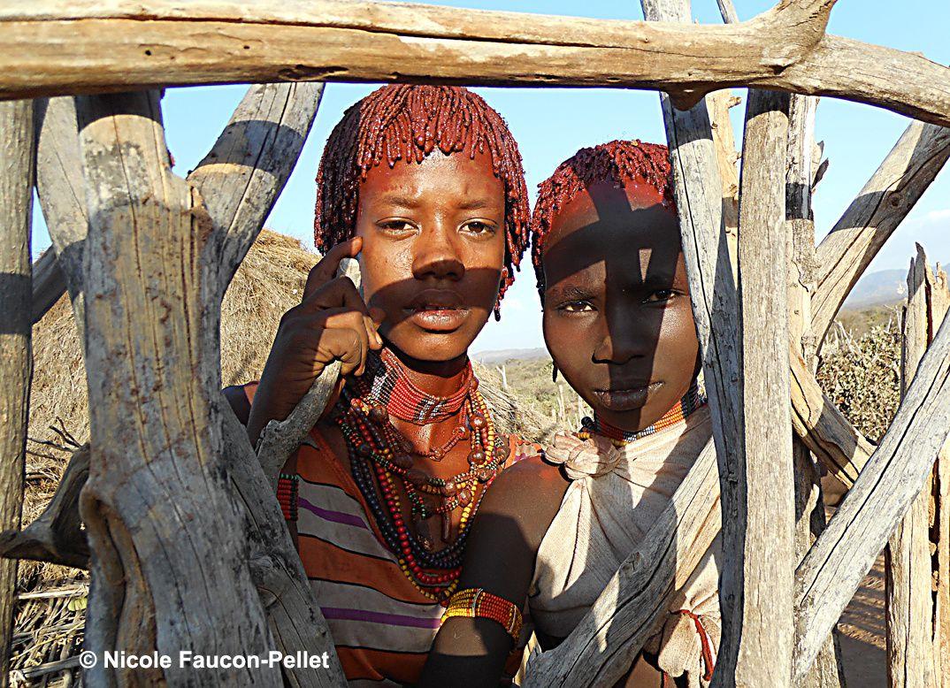 Éthiopie. De jeunes Hamars. Photo © Nicole Faucon-Pellet