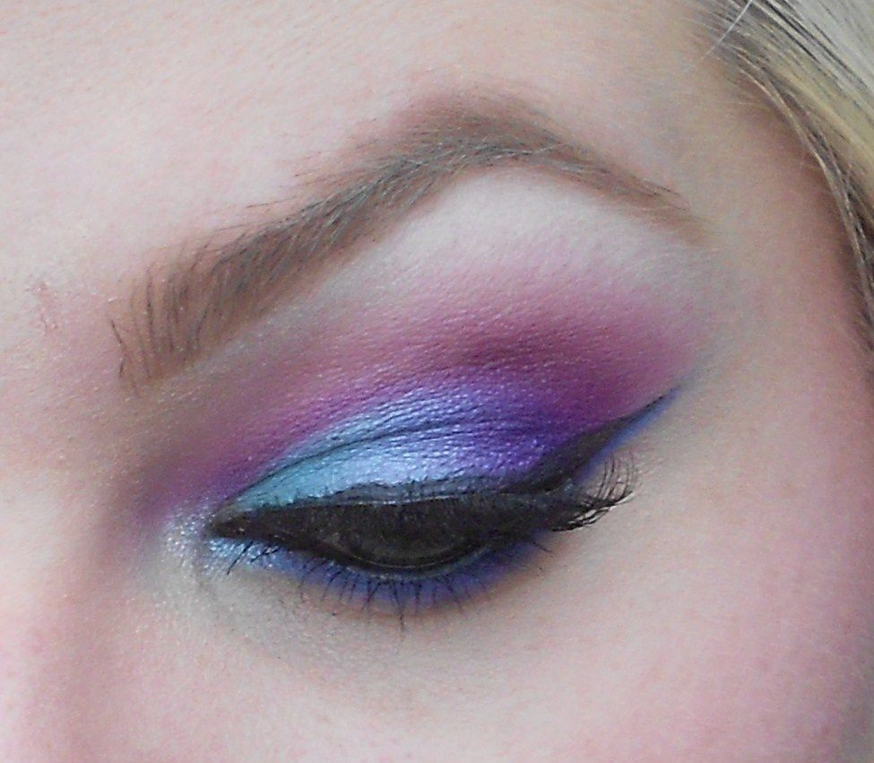 Color your eyes with Sugarpill Cosmetics