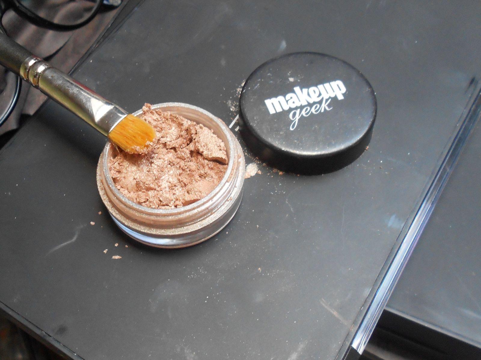 Tuto : Maquillage pour les porteuses de lunettes !!