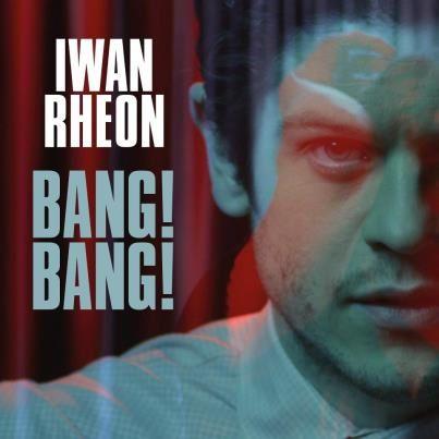 Iwan Rheon, musicien gallois.