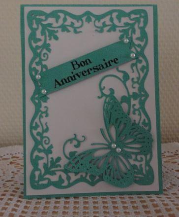 Une jolie carte papillon et de chouettes découpes de Thaly :-)