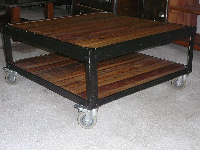Table basse industrielle roulette images - Table basse a roulette ...