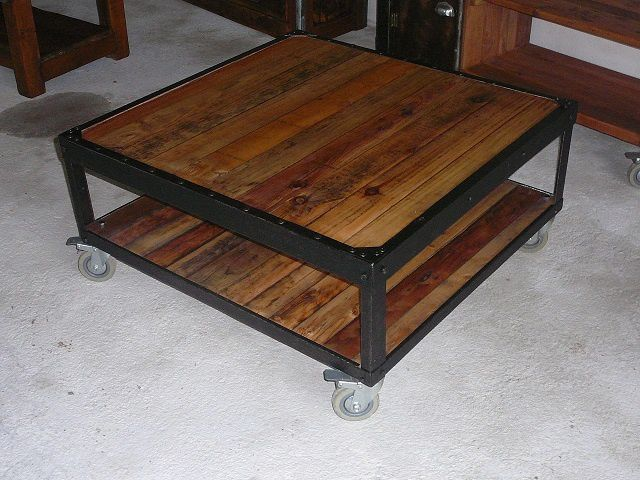 table basse bois et metal - Table Basse Palette Roulettes