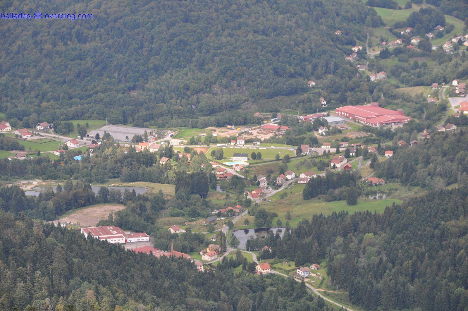 Vues sur la vallée (Fresse et St Maurice sur Moselle) et les sommets .