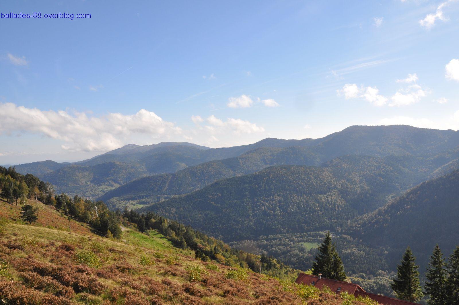 Vues depuis le Gustiberg et le Drumont sur la vallée et les sommets.