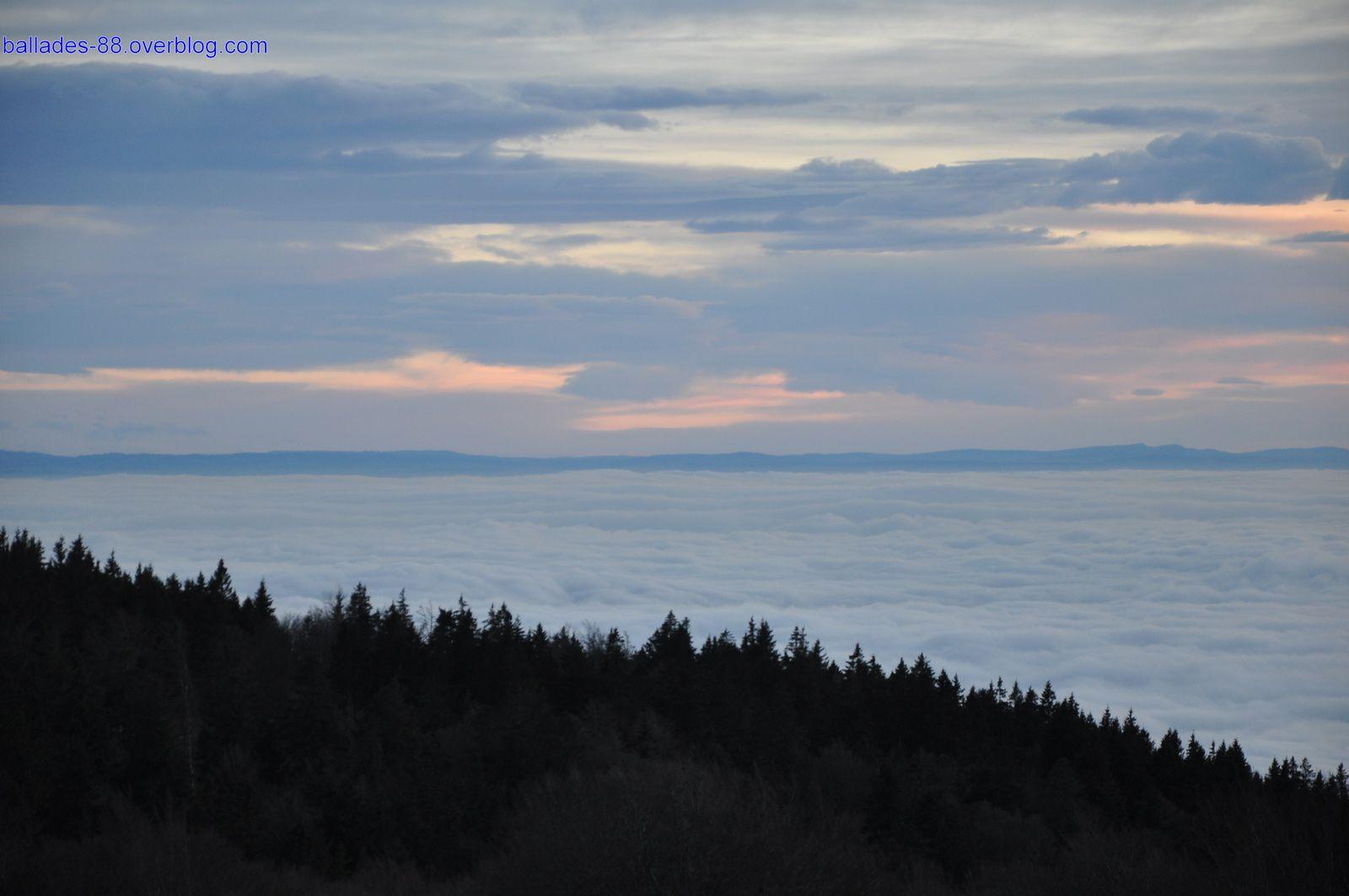 Coucher de soleil et mer de nuages au Ballon d'Alsace