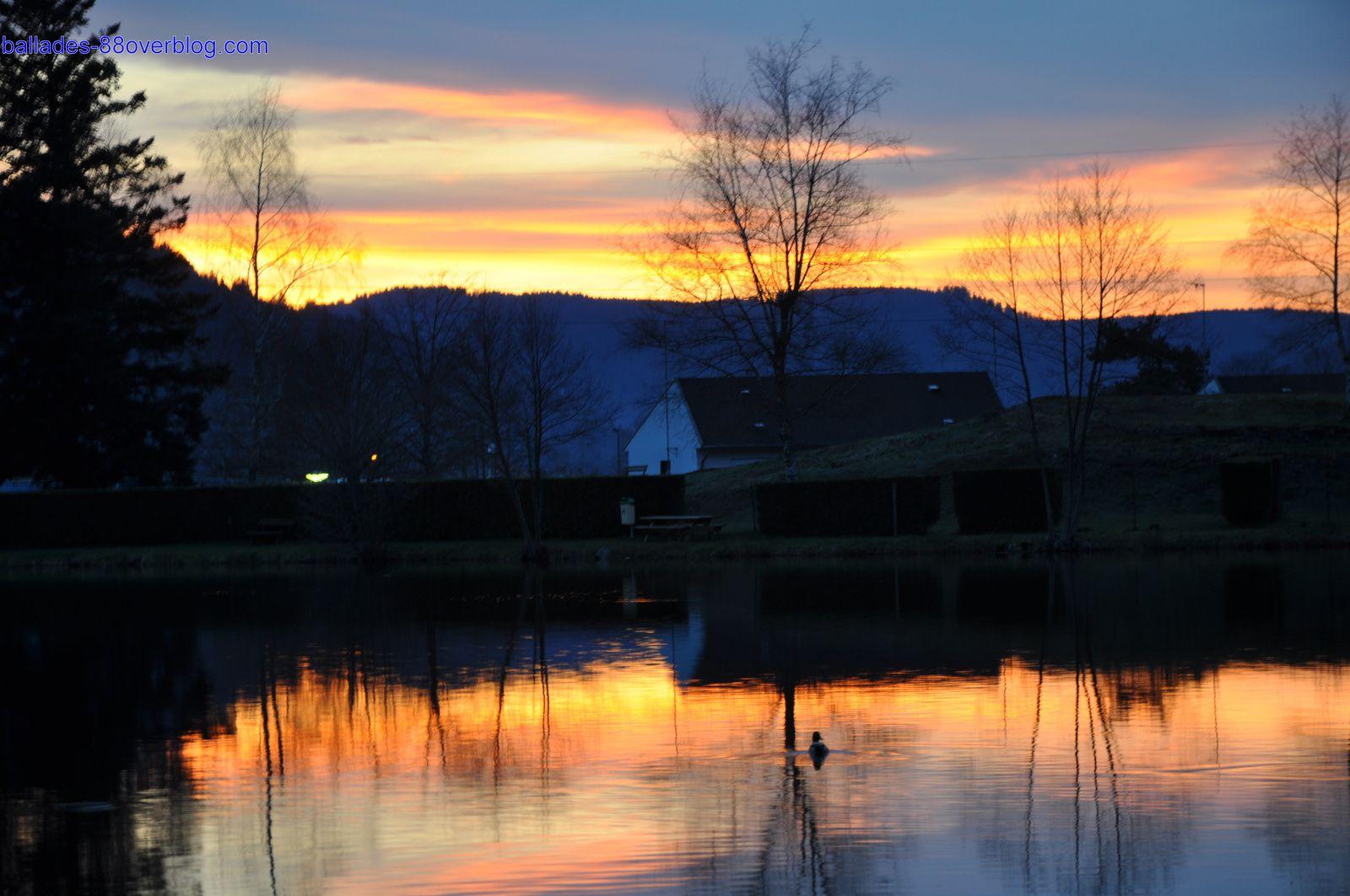 Coucher de soleil sur l'étang de Chaumes.