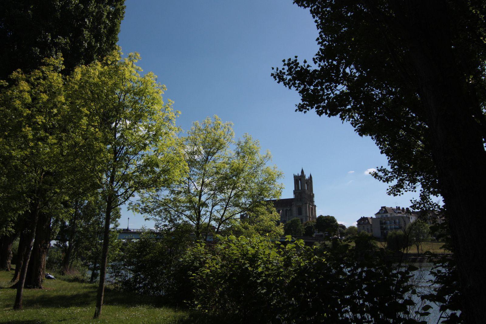 Sur la dernière photo, les résidences du quartier des Bords de Seine, où je vis.. Faire des photos de ce quartier pour l'association des Bords de Seine était le but de cette sortie photo..