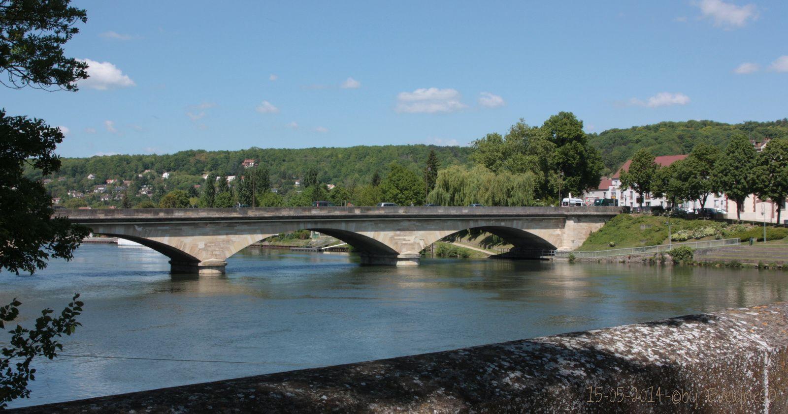 De l'Ile de Limay.. Sur le Vieux Pont..