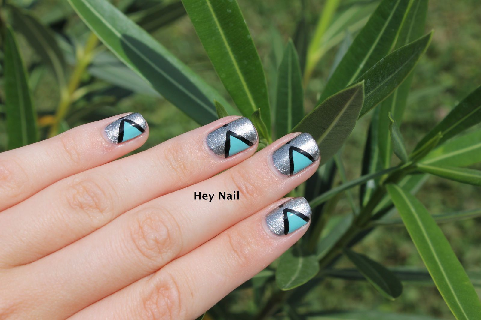 Nail Art Triangles Graphiques
