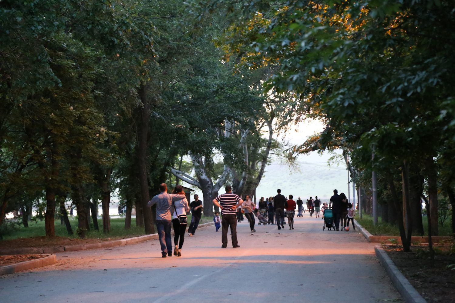 Walking area at Lisi lake