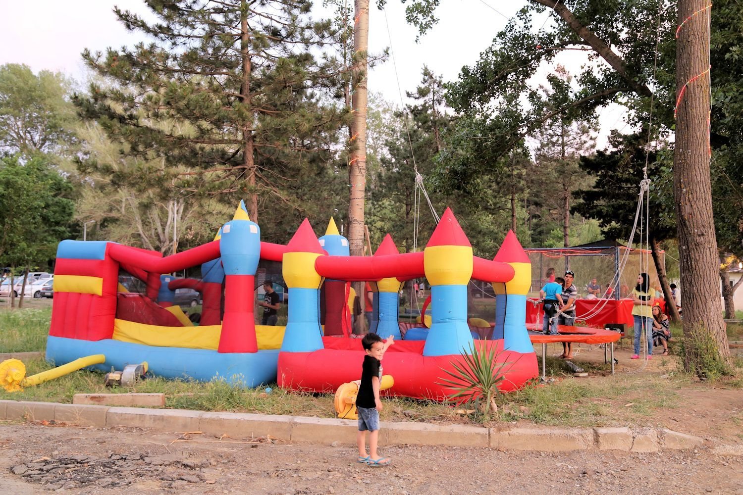 Entertainment for kids at Lisi lake