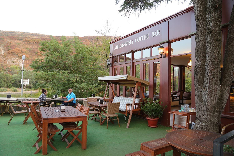 Cafe at Turtle Lake