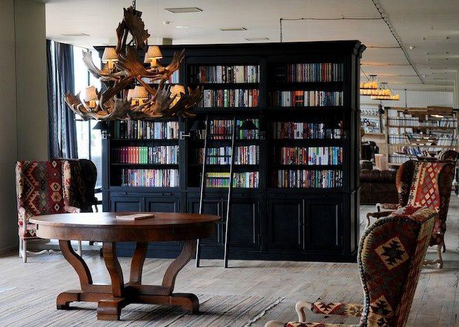 Rooms Hotel Kazbegi library. Photocredit: thisispaper