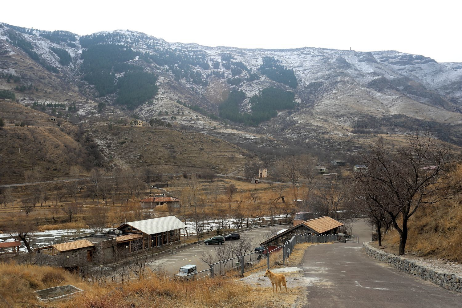 Parking place and a tiket office in Vardzia