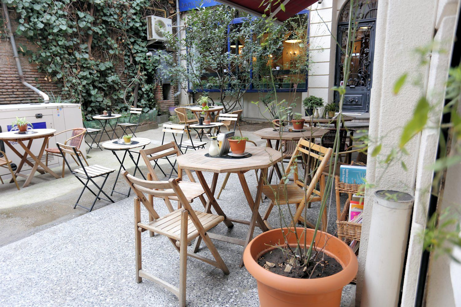 Caliban's Coffee Shop summer terrace