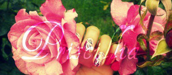 Nail art motif indien (rose)
