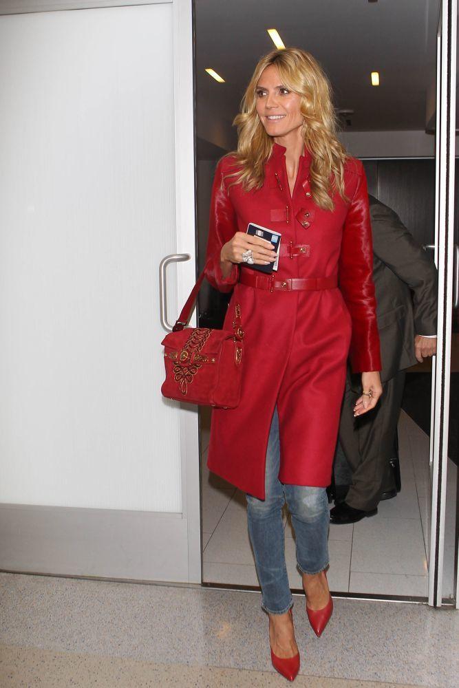 """10. Heidi Klum è una donna impegnata, è mamma di 4 bambini, modella, attrice, conduttrice televisiva e designer e sembra sempre allegra e positiva. Heidi emana sex appeal e riesce a portare in modo fantastico un semplice paio di jeans&#x3B; essendo una super top model sa sempre come farsi notare!"""""""