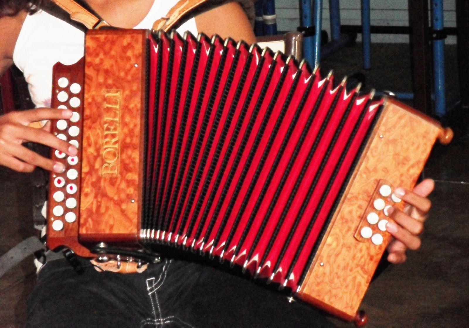 Cours d'accordéon diatonique à l'AREM