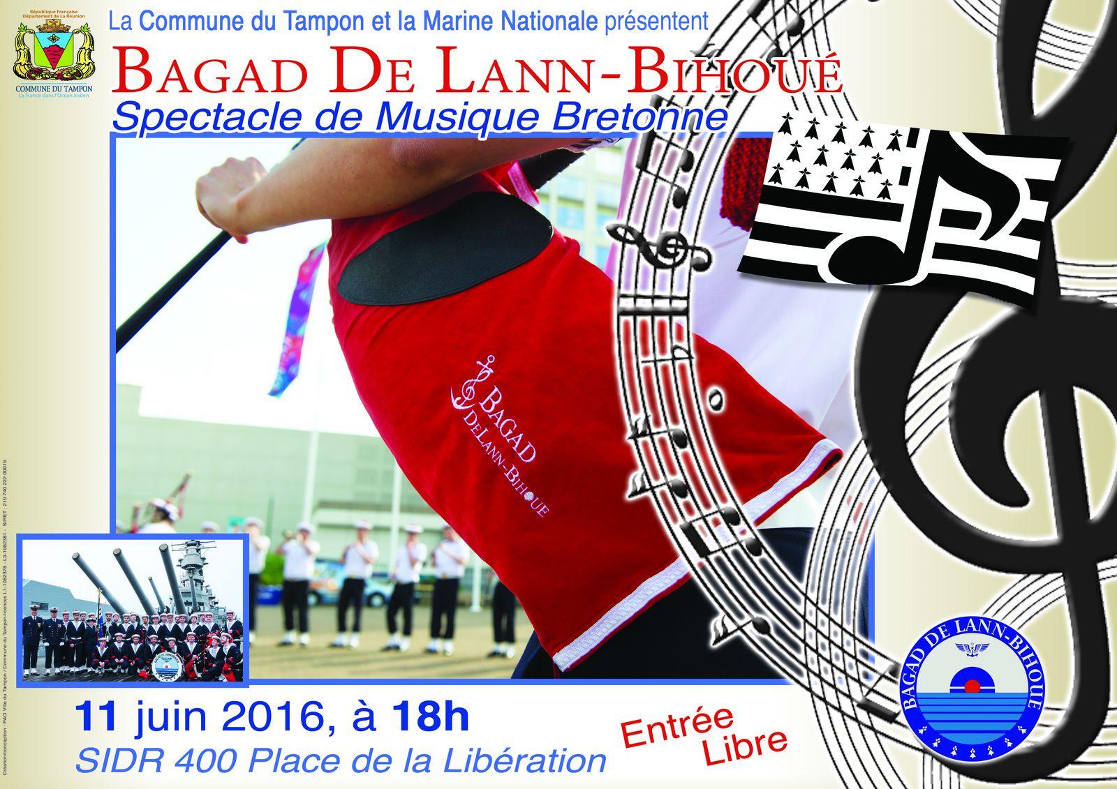 Le Bagad de Lann Bihoué à La Réunion