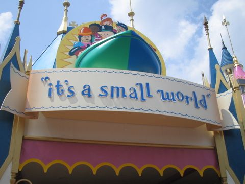 IT'S A FCKG SMALL WORLD !!! ZUT DE MINCE, CA FAIT YECH.