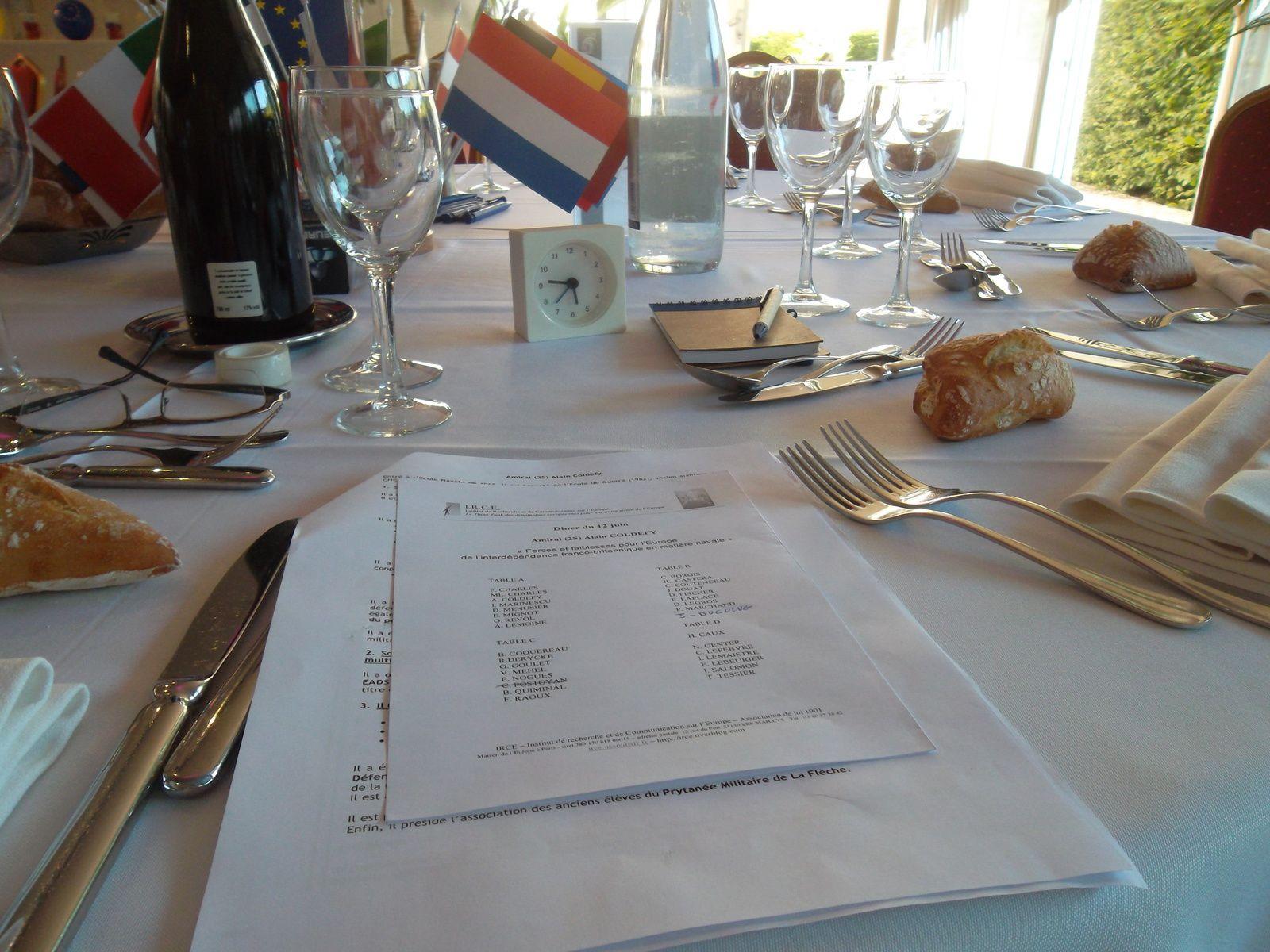 Grand succès pour notre dîner du 12 juin sur le thème : Défense et sécurité sur l'interdépendance franco-britannique en matière navale, avec ses forces et faiblesses pour l'Europe