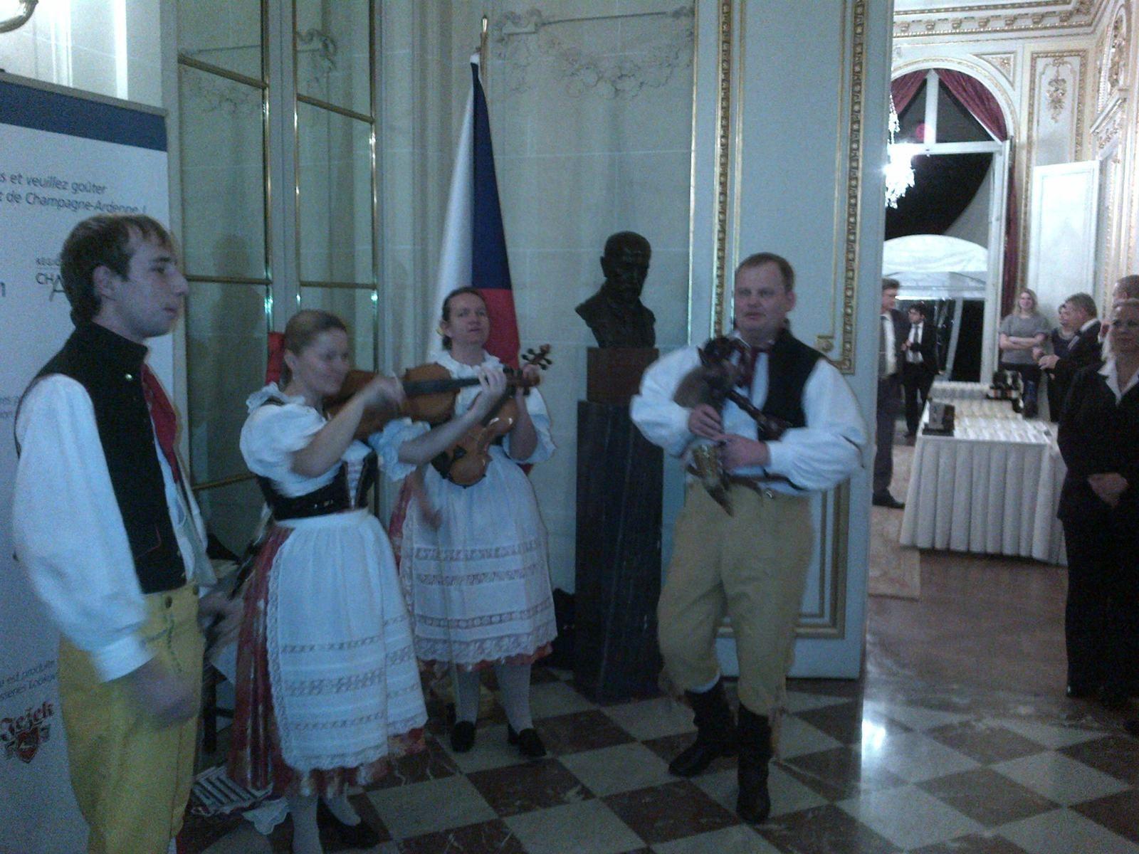 Belle réception de madame l'Ambassadeur de République tchèque