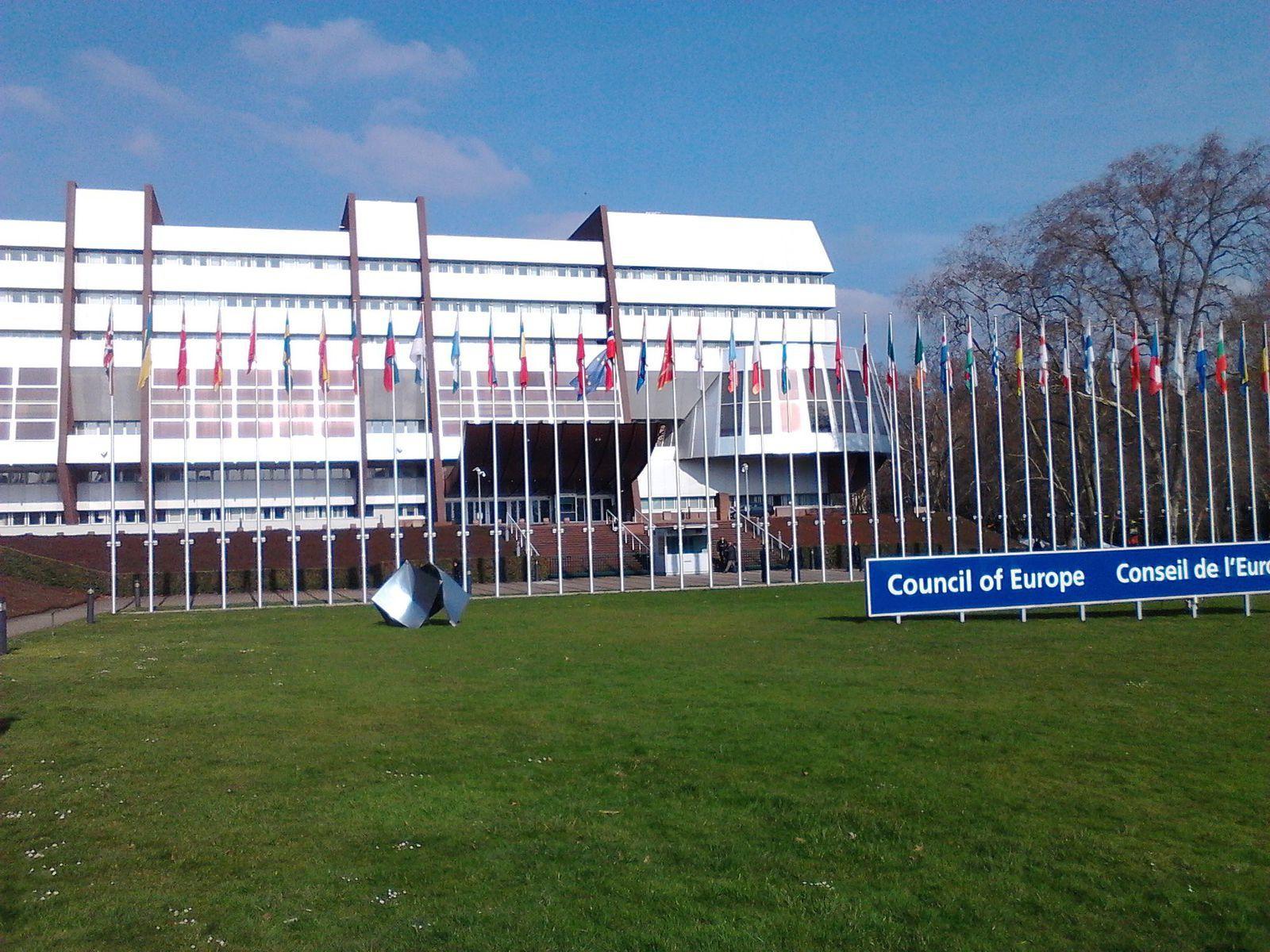 Image de couverture de la salle parlementaire où avaient lieu mes premiers travaux du parlement européen