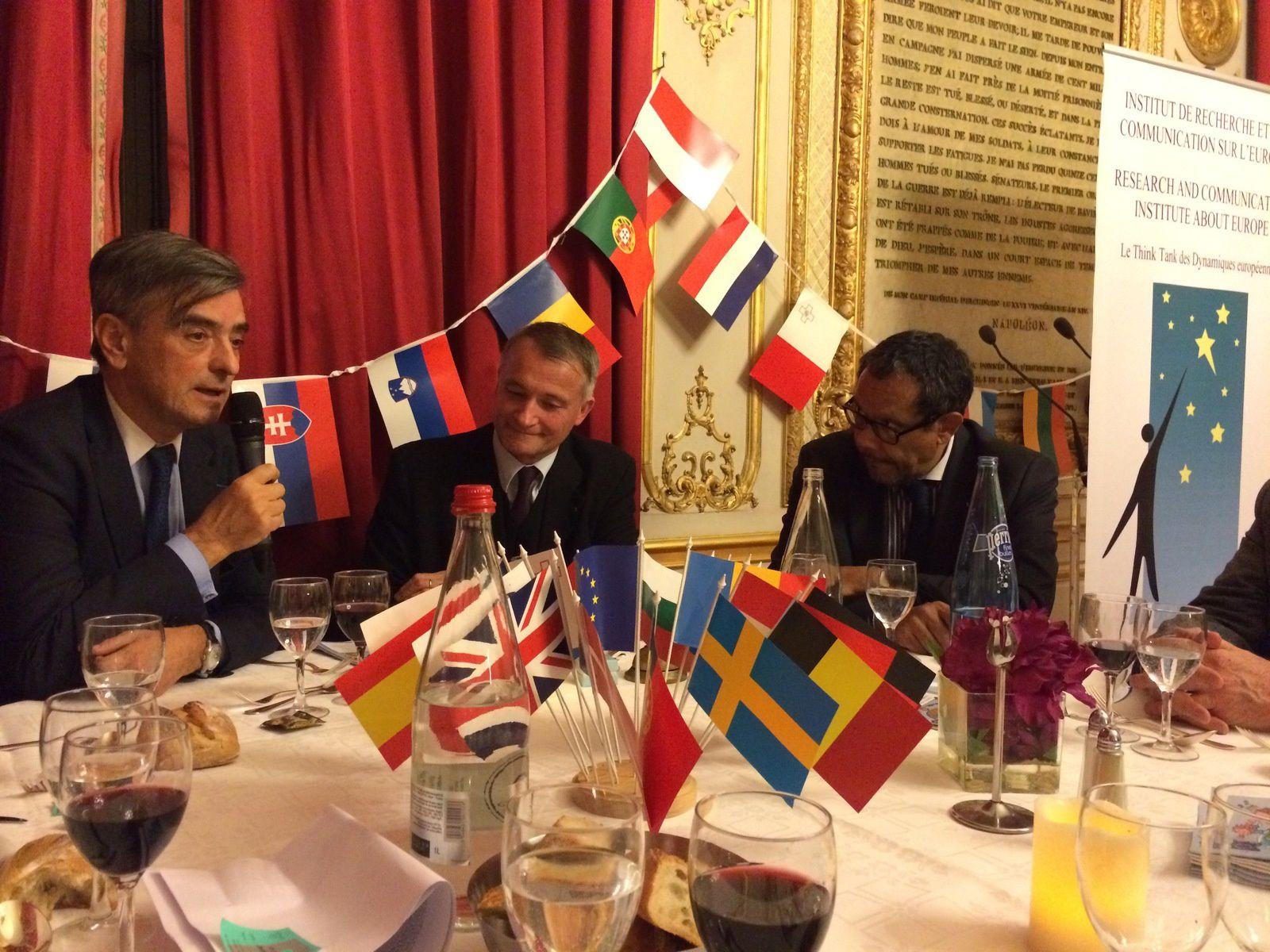 24 MARS : Dîner au Sénat avec S.E M. l'Ambassadeur de Hongrie sur le thème « la Hongrie et la conservation de certaines valeurs, notamment chrétiennes, au sein de l'Union européenne »