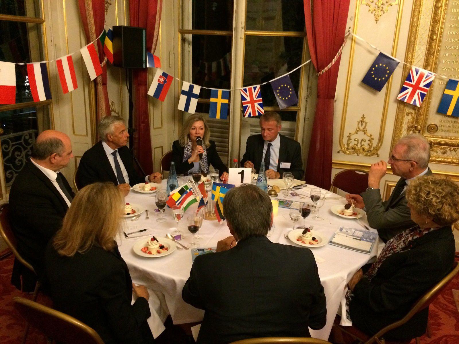 20 SEPT - SENAT - « L'Union européenne après le référendum britannique - perspectives suédoises » par S.E. Madame l'Ambassadeur de Suède en France