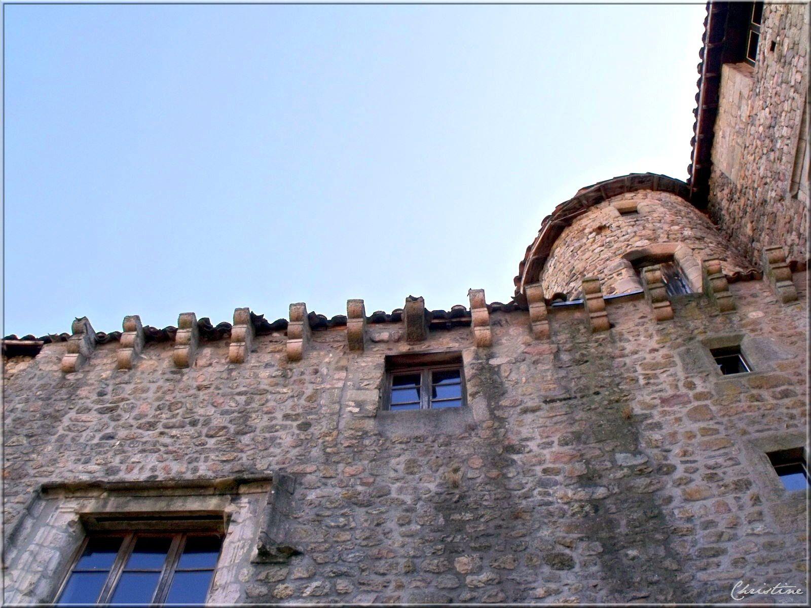 Désaignes est un charmant village dans la région du Vivarais ardèchois, aux alentours de Tournon /Rhône